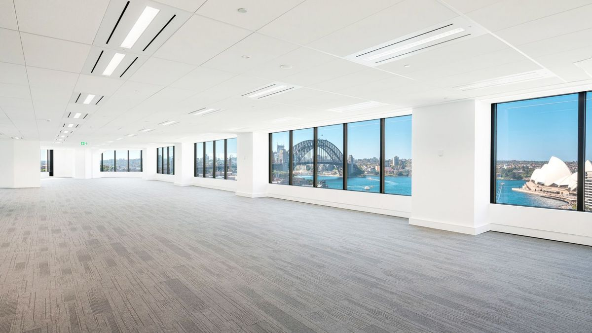 Office spaces with at least 2,000 sqm spilling over two or more floors will be in short supply in 2019.