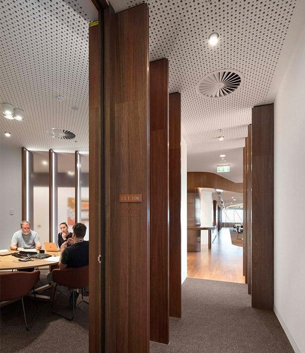 Victorian Comprehensive Cancer Centre Executive Workplace (DesignInc)
