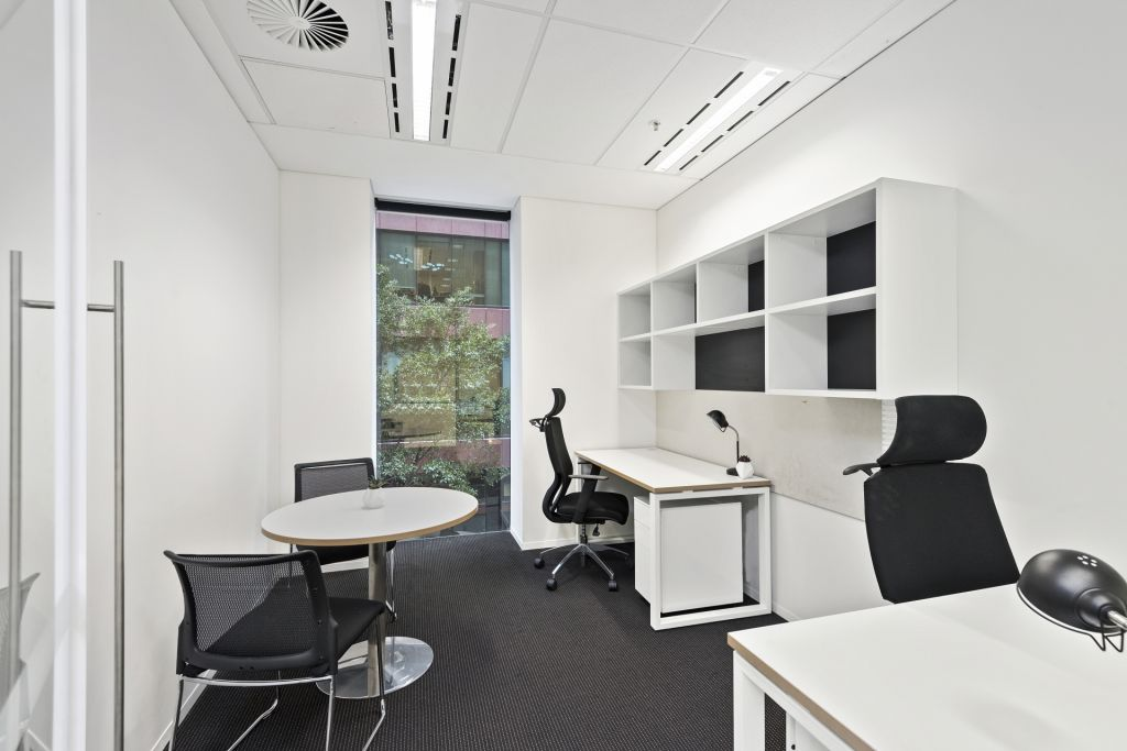 premium private offices and open desks for 1 12 persons available